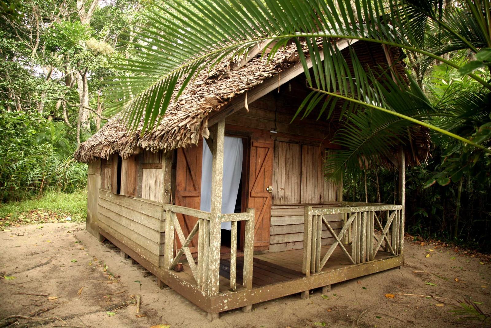 madagascar_accommodation_farankarina-bungalow-1