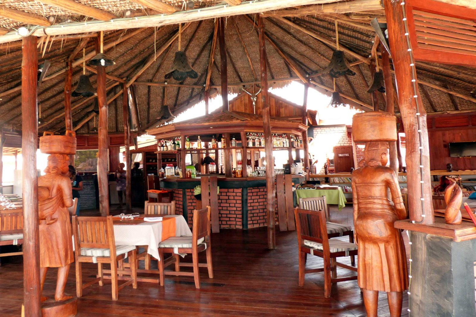 Madagascar-Wildlife-Tours_Accommodation_Relais-Du-Kirindi-1