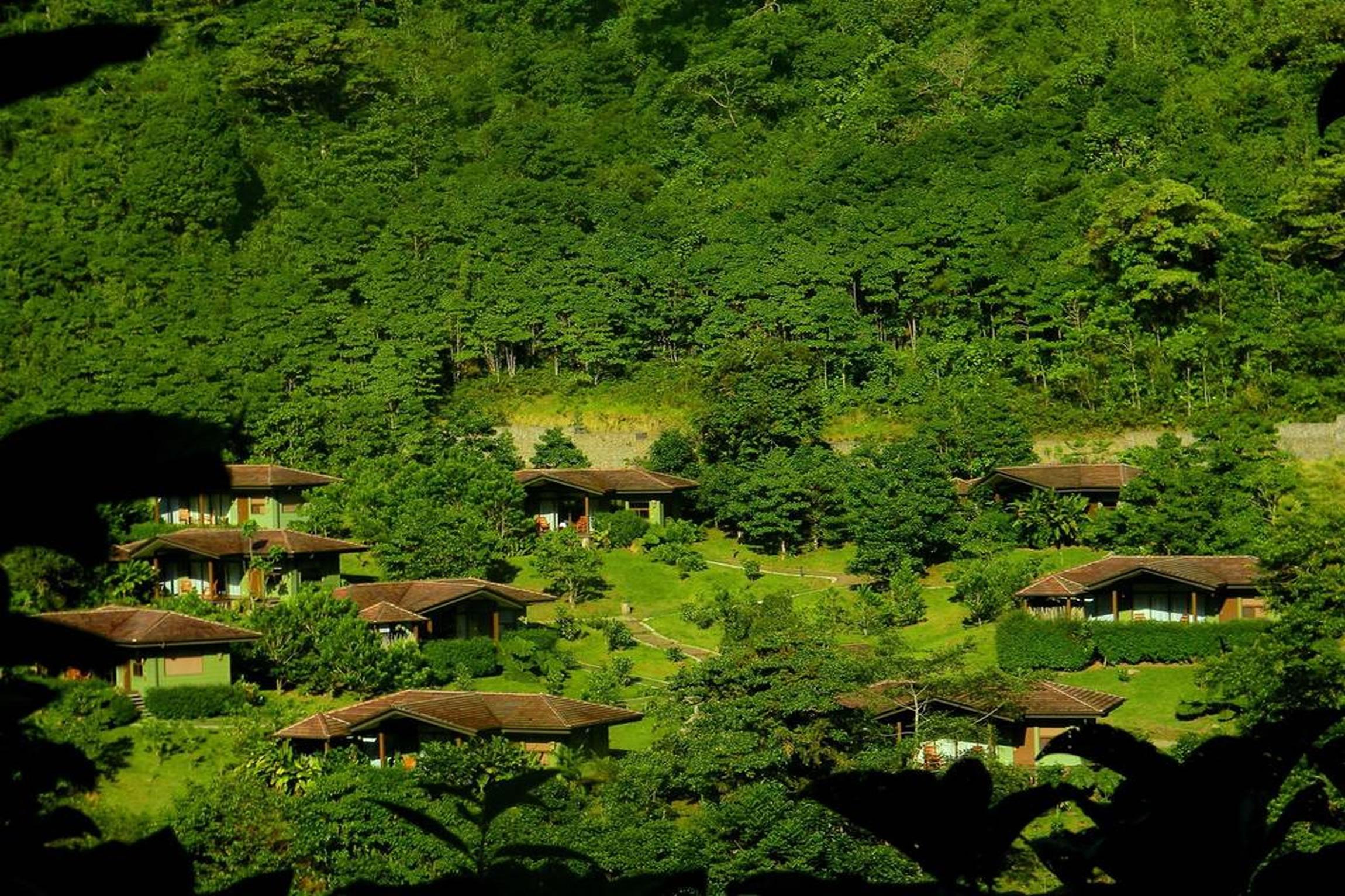 Costa-Rica-Holiday-Tours-El-Silencio-Villas