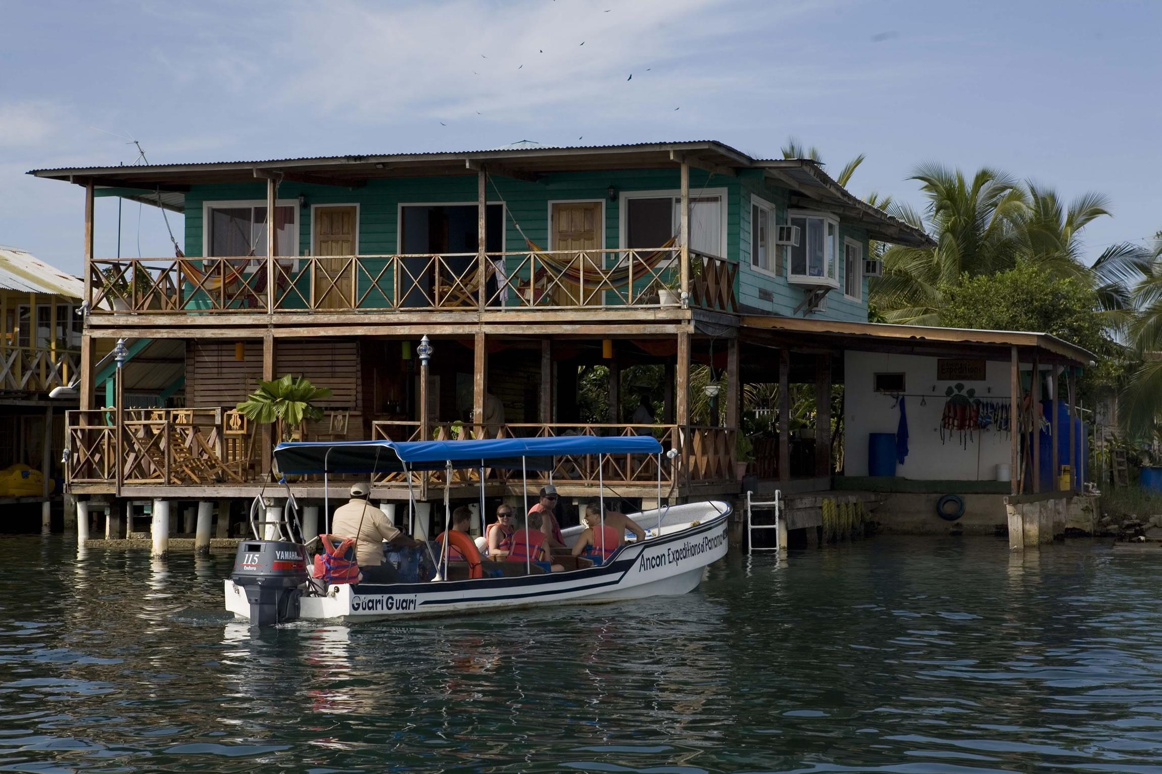 Panama-Wildlife-Tours-Bocas-Inn_Exterior