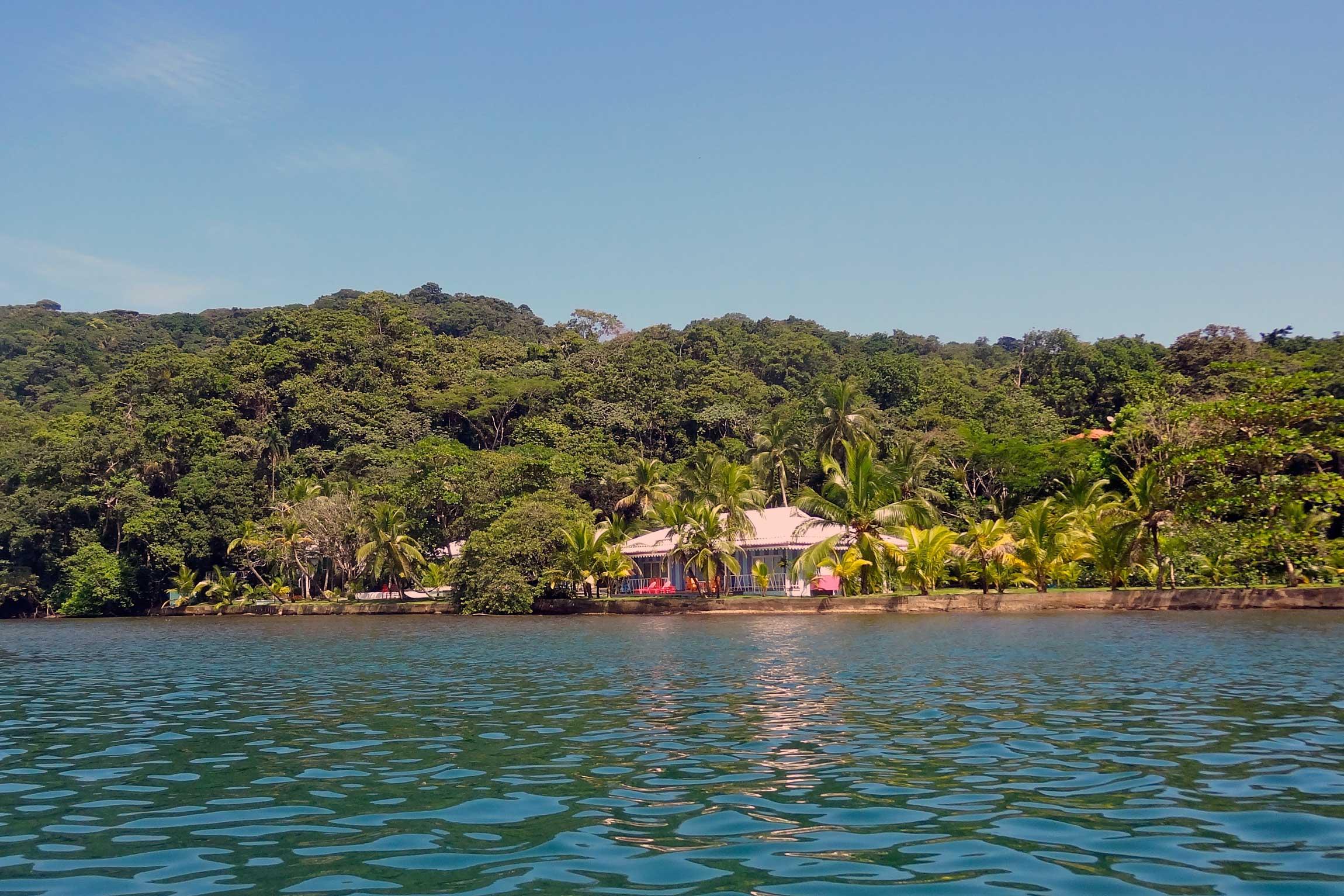 Panama-Wildlife-Tours-El-Otro-Lado-Exterior