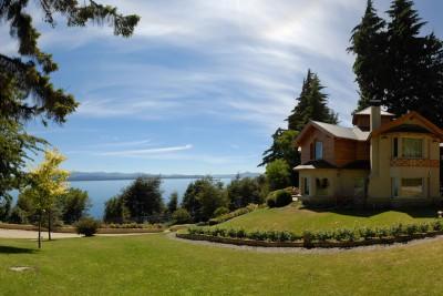 Argentina-Holiday-Tours-Villa-Huinid_Gardens