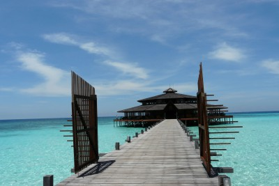 Borneo-Tailormade-Tours-Lankayan-Island_Jetty-2