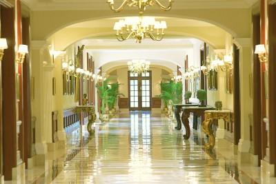 India-Tailormade-Tours-Imperial-Hotel-Delhi_Lobby-Corridor