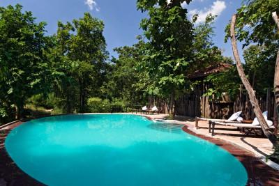 India-Tailormade-Tours-Reni-Pani-Lodge_Pool
