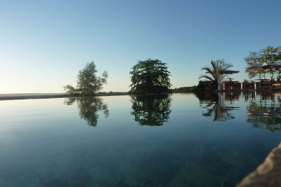 Madagascar-Holiday-Tours-Hotel-Le-Solei-Des-Tsingy-Pool-View