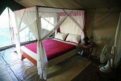 Madagascar-Holiday-Tours-Mandrare-River-Camp-Room 1