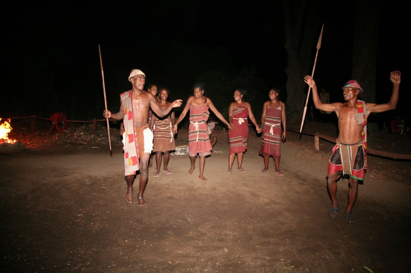 Madagascar-Holiday-Tours-Mandrare-River-Camp-Tribal-Dance