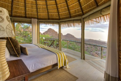 Namibia-Wildlife-Tours-Mowani-Mountain-Camp_Room