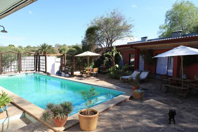 Namibia-Wildlife-Tours-Rivendell-Guest-House_Pool-02