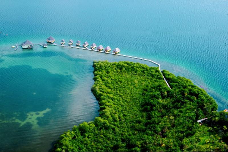 Panama-Tailormade-Itineraries_Punta-Caracol-Acqua-Lodge_Aerial