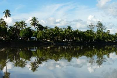 Papua-New-Guinea-Holiday-Tours-Ambunti-Lodge-Exterior
