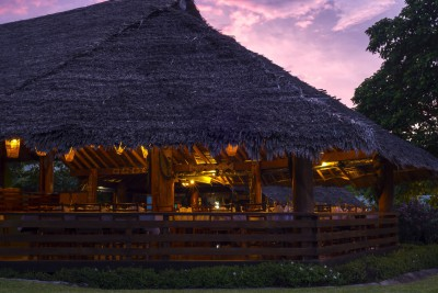 Papua-New-Guinea-Holiday-Tours-Kokopo-Beach-Lodge_Restaurant