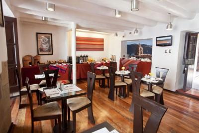Peru-Tailormade-Tours-Tierra-Viva-Cusco-Plaza_Restaurant