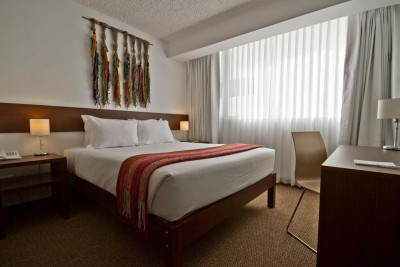 Peru-Tailormade-Tours-Tierra-Viva-Puno-Plaza_Room