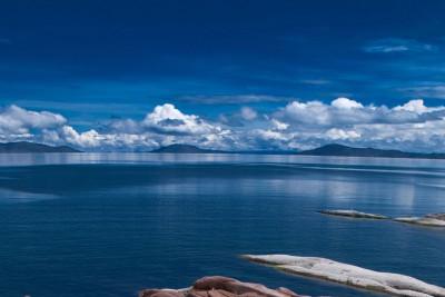 Peru-Tailormade-Tours-Titilaka_Lake
