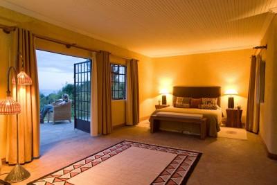 Rwanda-Tailormade-Tours-Sabyinyo-Lodge_Suite