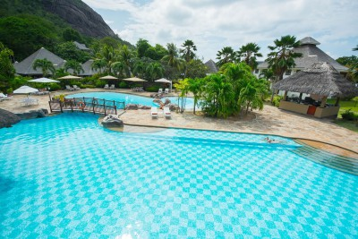 Seychelles-Holiday-Tours-La-Domaine-de-la-Reserve_Swimming-Pool
