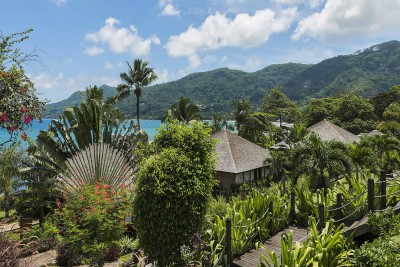 Seychelles-Holiday-Tours-Le-Merideen-de-Fishermans-Cove_Exterior