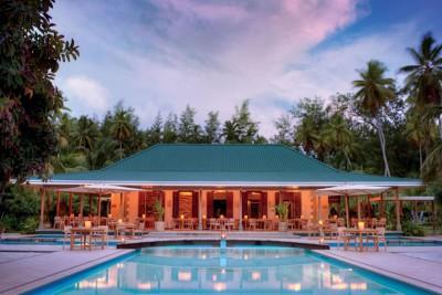 Seychelles-Tailormade-Tours-Desroches-Island-Resort_Restaurant-Exterior