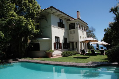 South-Africa-Tailormade-Tours-Camps-Bay-Retreat_Pool