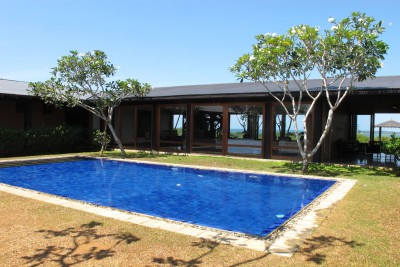 Sri-Lanka-Holiday-Tours-Mirissa-Hills_Pool