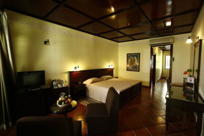 Sri-Lanka-Holiday-Tours-Palm-Garden-Village_Suite