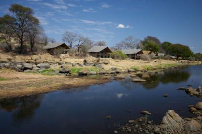 Tanzania-Tailormade-Tours-Ruaha-River-Lodge_Exterior