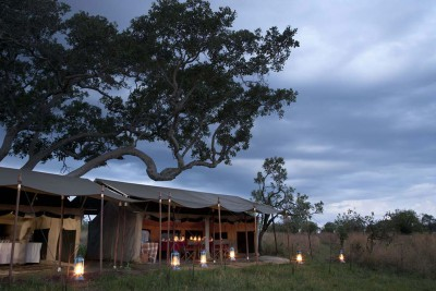 Tanzania-Tailormade-Tours-Serengeti-Safari-Camp_Exterior-Night