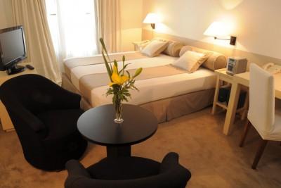 Argentina-Holiday-Tours-Loi-Suites-Recoleta_Room