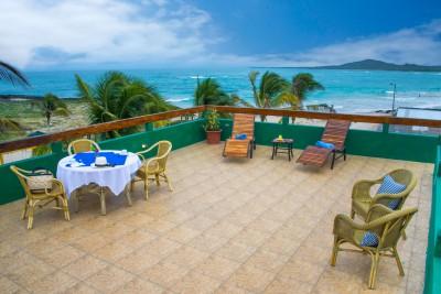 Ecuador-Galapagos-Tailormade-Tours-Albermarle-Hotel_Sea-View