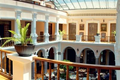Ecuador-Tailormade-Tours-Patio-Andaluz-Interior