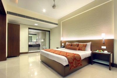 India-Tailormade-Tours-Hotel-Express-Residency_Room