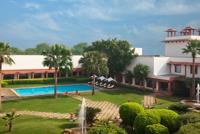 India-Tailormade-Tours-Trident-Agra-Hotel_Exterior