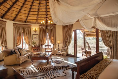 South-Africa-Tailormade-Tours-Kings-Camp_Luxury-Suite
