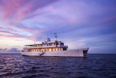 Galapagos-Wildlife-Cruise_Grace-Exterior-Sunset
