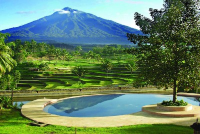 Indonesia-Tailor-made-holidays-Ijen-Resort_Pool-Gardens-View