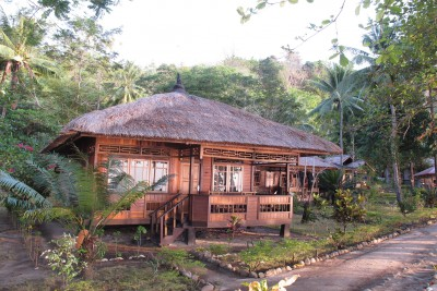 Indonesia-Tailor-made-holidays-Pulisan-Jungle-Beach-Resort_Room-Exterior