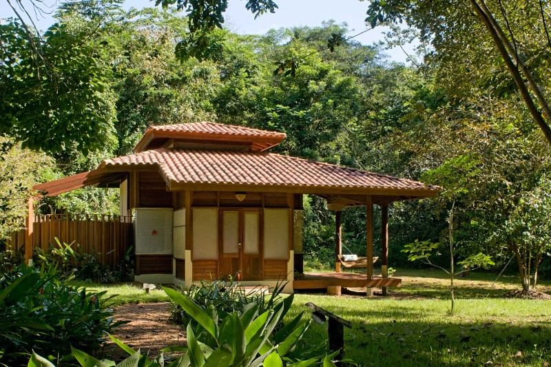 Brazil-Wildlife-Tours_Accommodation_Cristalino-Jungle-Lodge-bungalow-exterior