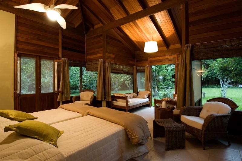 Brazil-Wildlife-Tours_Accommodation_Cristalino-Jungle-Lodge-bungalow-interior
