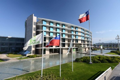 Chile-Wildlife-Tours_Accommodation_Holiday-Inn-Santiago-Airport-Terminal-exterior