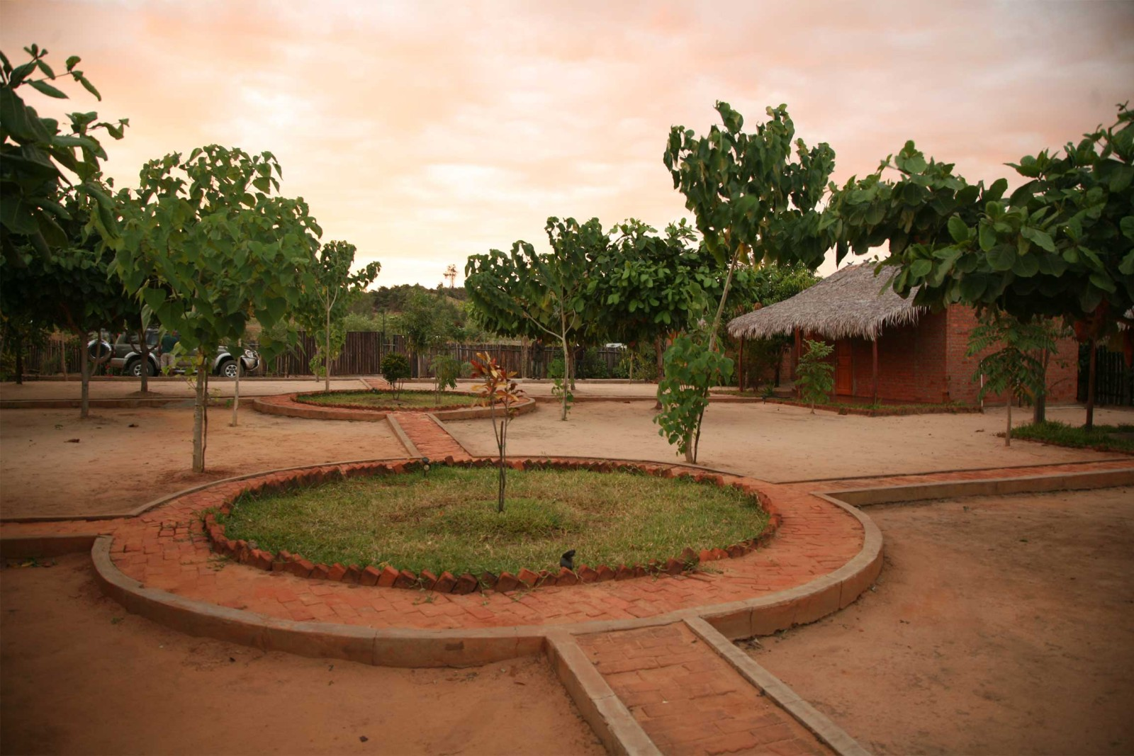 madagascar_accommodation_blue-vanga-lodge-outside-2