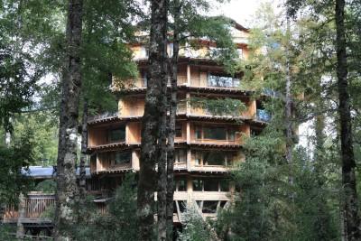 chile-wildlife-tours_accommodation_huilo-huiol-nothofagus-exterior