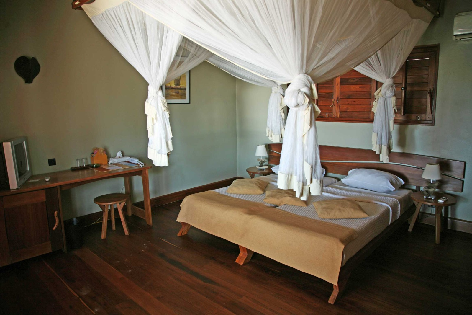 madagascar_accommodation_palisandre-cote-oust-room-jpg