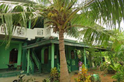 Sri-Lanka-Wildlife-Tours_Accommodation_Lagoon-Inn-5