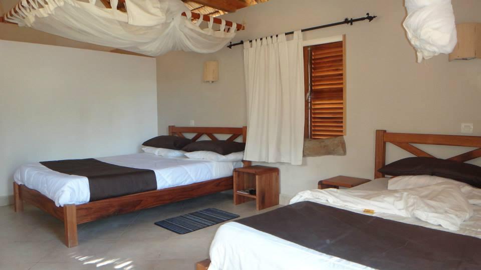 Madagascar-Wildlife-Tours_Accommodation_Aubergedelatable_3